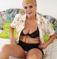 Oma ist alt und scharf Omas Telefonsex bringt jeden scharfen jüngling und auch den alten Stecher garantiert zum abspritzen. Willig sitzt die rüstige Rentnerin auf ihrem Bett oder dem Sofa […]